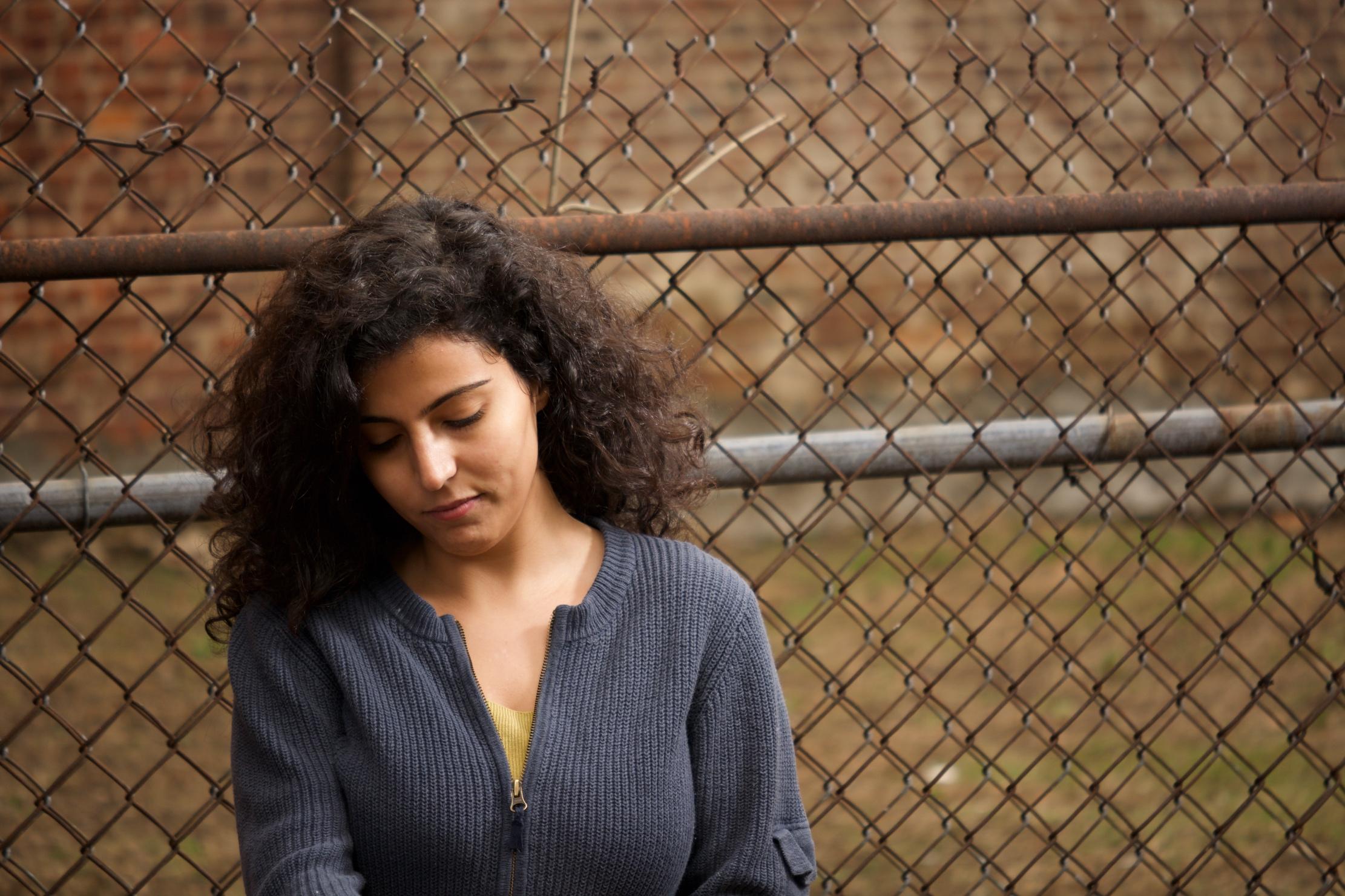 «ما أنام من أجله اليوم» لمنى كريم: قصائد تنزح إلى العوالم التشكيليّة