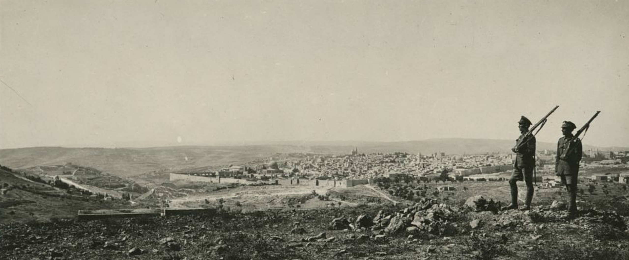 «100 عام على وعد بلفور» لميسرة صلاح الدين… وعد استعماري
