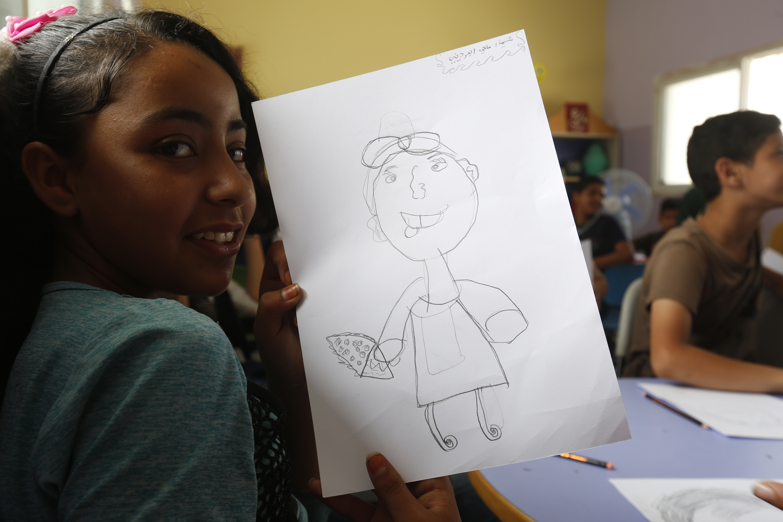 أطفالٌ يسافرون بأحلامهم... ويرسمون مستقبل المخيم