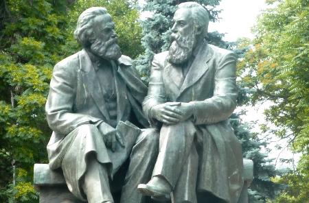 ماركس وإنجلز، أو بين الفلسفة والعلم