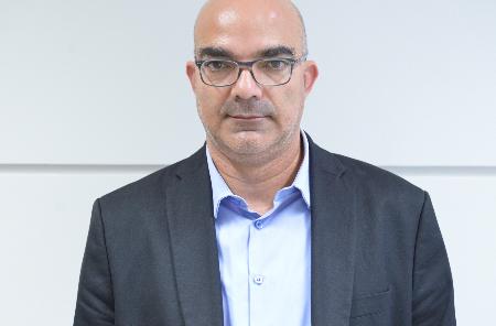 إسماعيل ناشف: دراسة الأدب نافذة تطلّ على أزمات المجتمع العربي الحديث