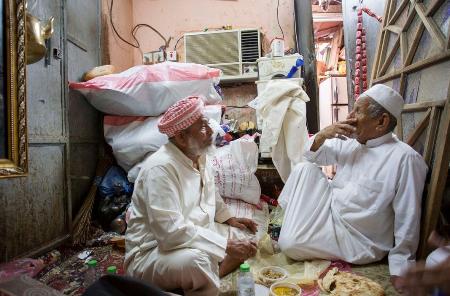 «منبوذ الجبل».. عبد الله ناجي يكشف الوجه الآخر لمكّة
